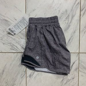 NWT LULULEMON | hotty hot 4 inches
